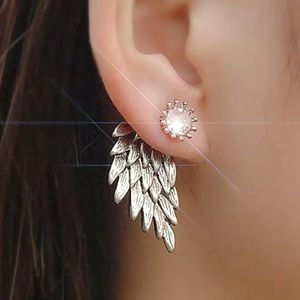 Jewelry - New! Front back statement earring in Silver